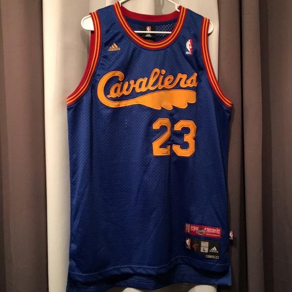 wholesale dealer e39b8 f5f79 Adidas LeBron James cavs fanatic jersey large
